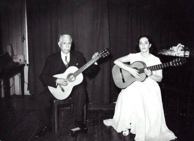 CHAZARRETA y su hija Ana Mercedes